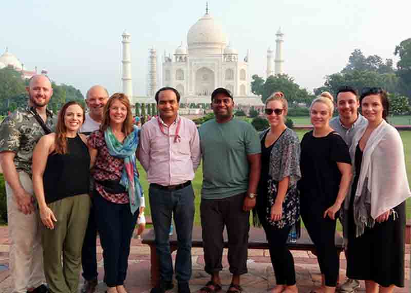 Hire government approved tour guide in Agra